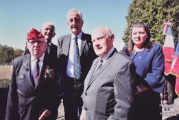 De Gauche à droite Mr Le Neures, Le général Michel (2S) le général Cuche (2S) , René MARBOT,