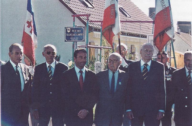 Rue des Français libres à Cloyes inaugurée en présence de plusieurs anciens cadets