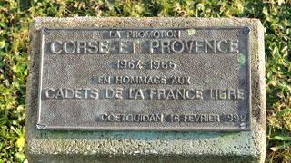 Plaque dépsée par la promotion Corse et Provence en hommage à ses anciens, les Cadets de al France libre