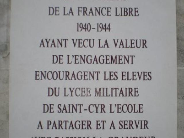 Saint-Cyr L'Ecole - Plaque gauche des cadets