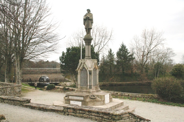 Sur lequel est mentionné Gérard De Carville