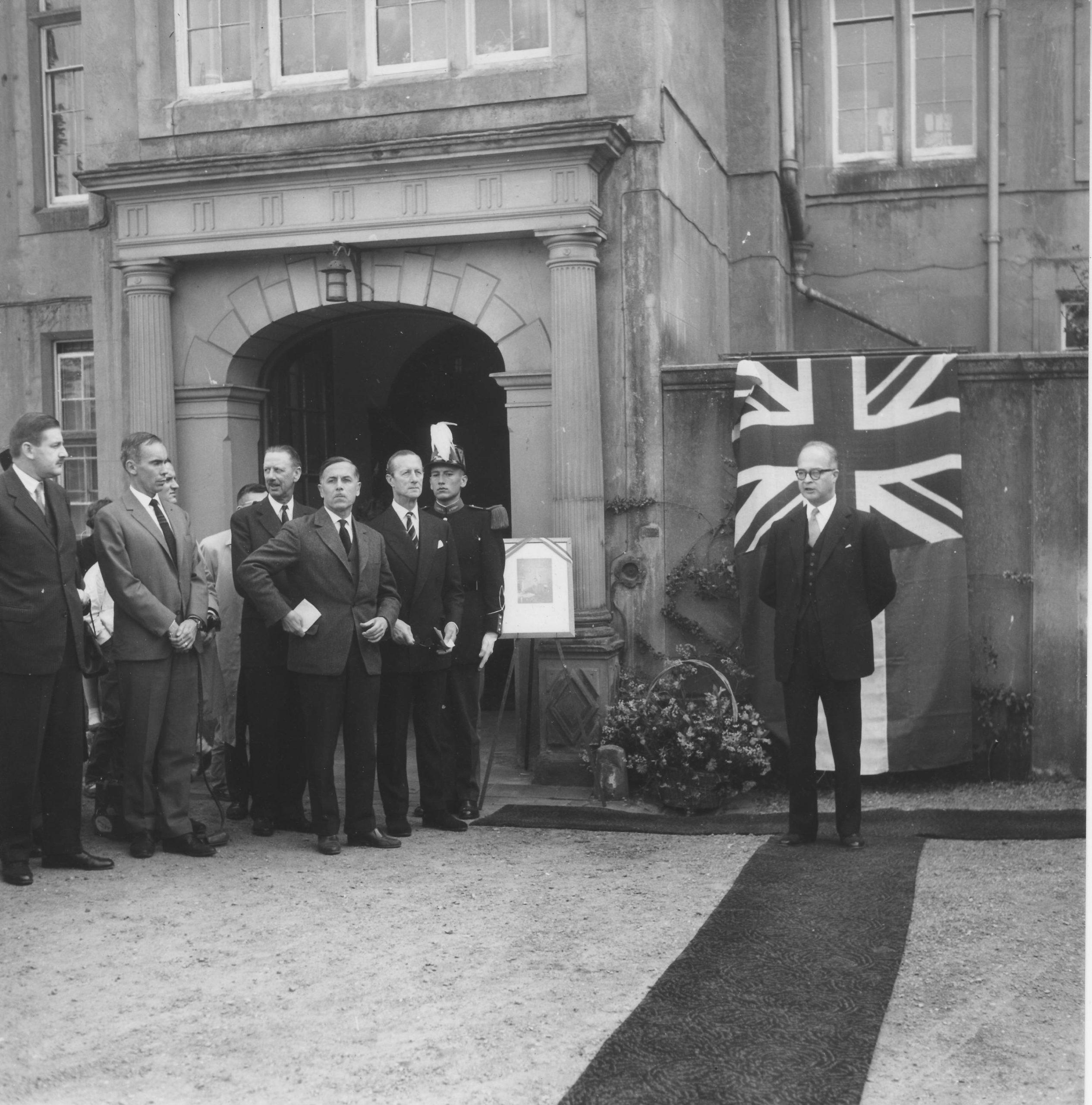 le Lord Lieutenant du Comté de Birmingham qui adressa un message d'accueil à toutes les personnes présentes.